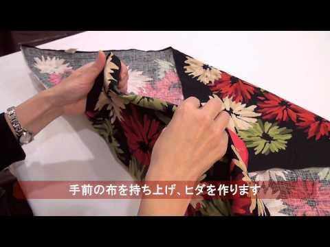 How to video to make a rose looking top fold. Japanese Furoshiki【阪急百貨店】風呂敷の包み方~ばら包み~