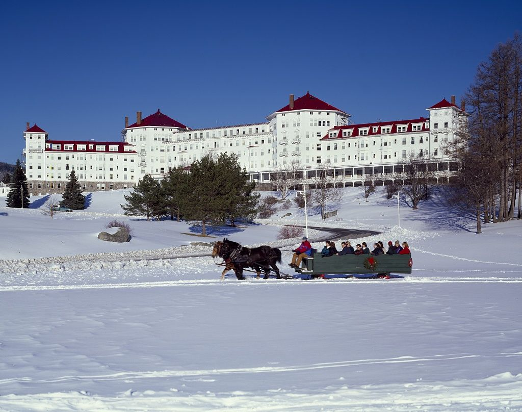 Mount Washington Hotel and Resort, Bretton Woods, New Hampshire. The resort was the site of the 1944 Bretton Woods Conference, formally known as the United Nations Monetary and Financial Conference to regulate the international monetary and financial order after the conclusion of World War II. Photo by Carol M. Highsmith. Carol M. Highsmith Archive, Library of Congress, Prints and Photographs Division.