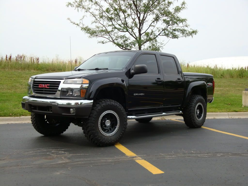 Lifted 2004 Canyon My 2005 5 Cylinder Truck Looks Just Like This But I Have The Topper On Mine