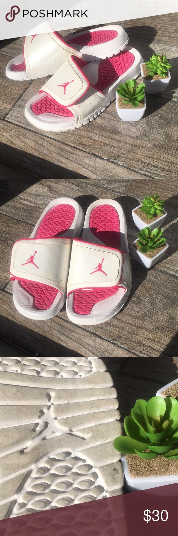c4610bffa9508d Women s Air Jordan sandals Pink and white Air Jordan sandals. Size six