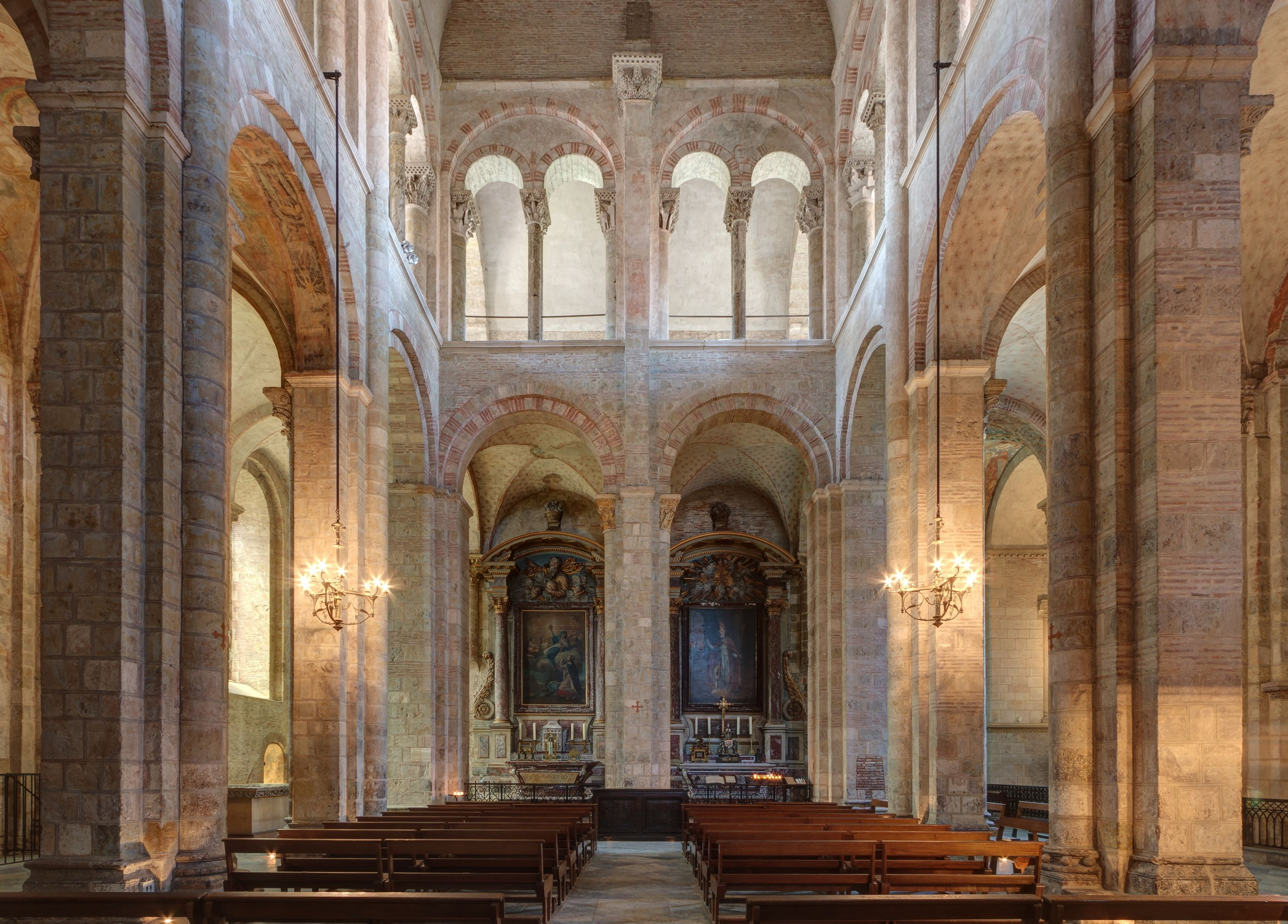 Romanesque architecture france transept st sernin for Architecture toulouse