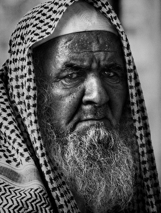 رجل كبير السن من السعودية Saudi Arabia Lee Jeffries