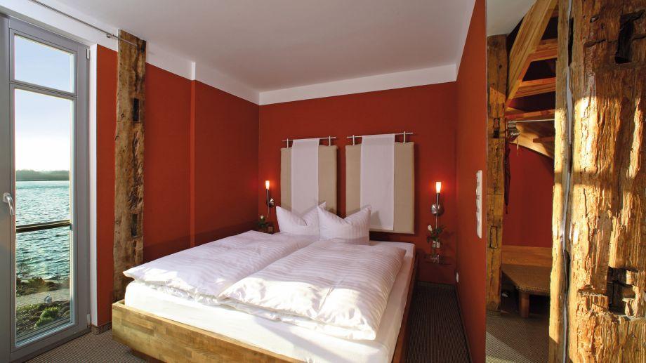 Zimmer mit Seeblick im Hotel Rosendomizil.