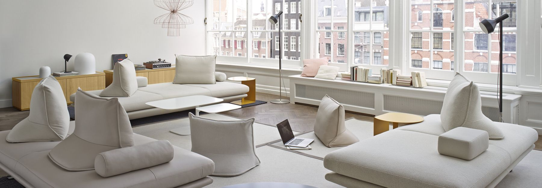 ligne roset prado google s gning interiors we like pinterest ligne roset living rooms. Black Bedroom Furniture Sets. Home Design Ideas