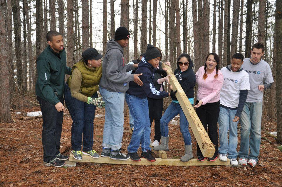 Winter Team Building Activities For Adults הפעלות לגדולים