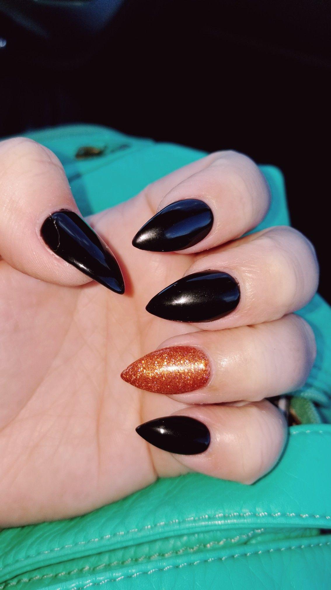 Pin by Amanda Tyrrell on nails | Halloween acrylic nails ...