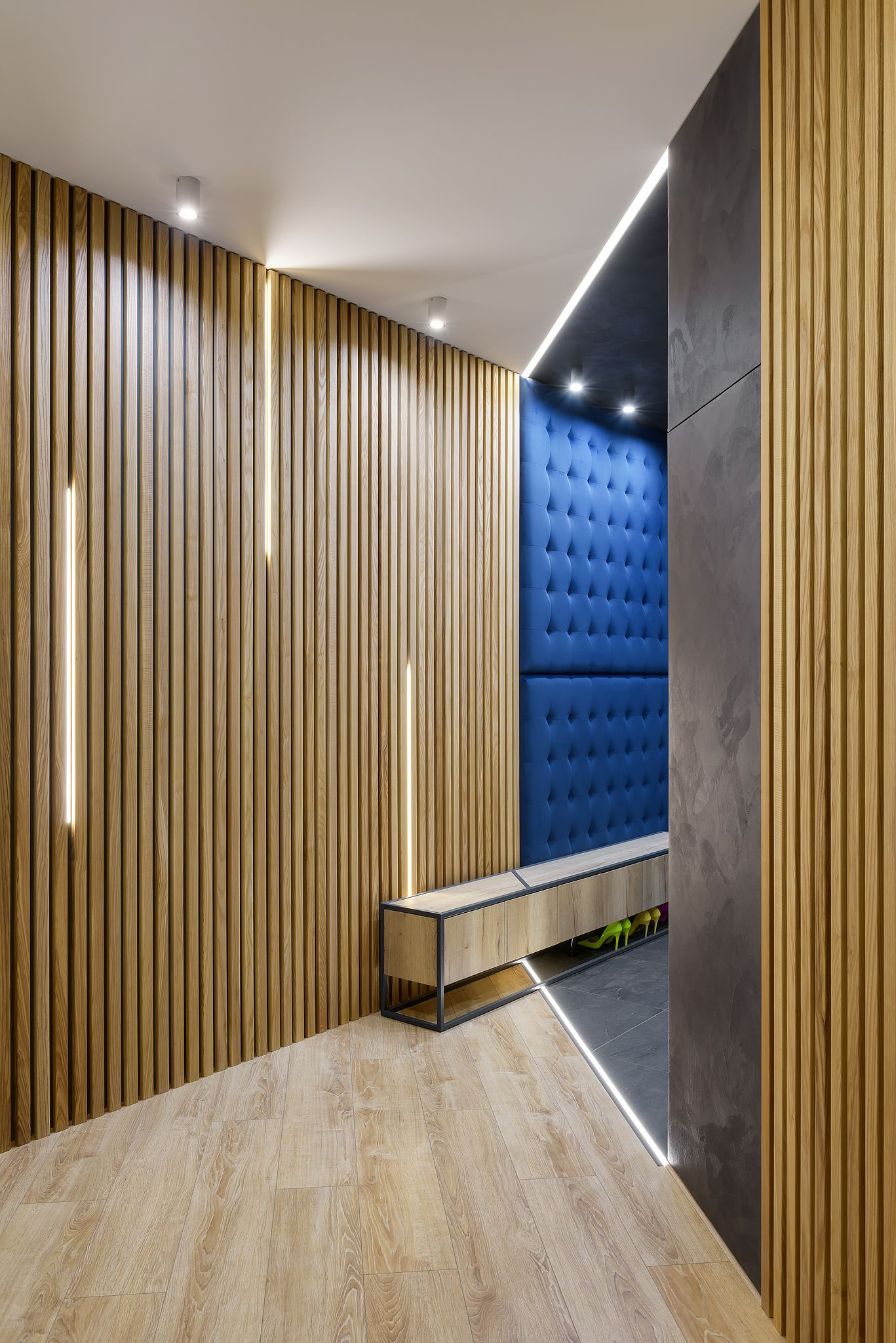 Interior Wood Paneling: Cozy Panelling In Hallway With Wooden Panels Batten Plank