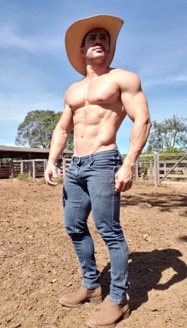 Oh God   Muscle men, Muscle hunks, Gym guys