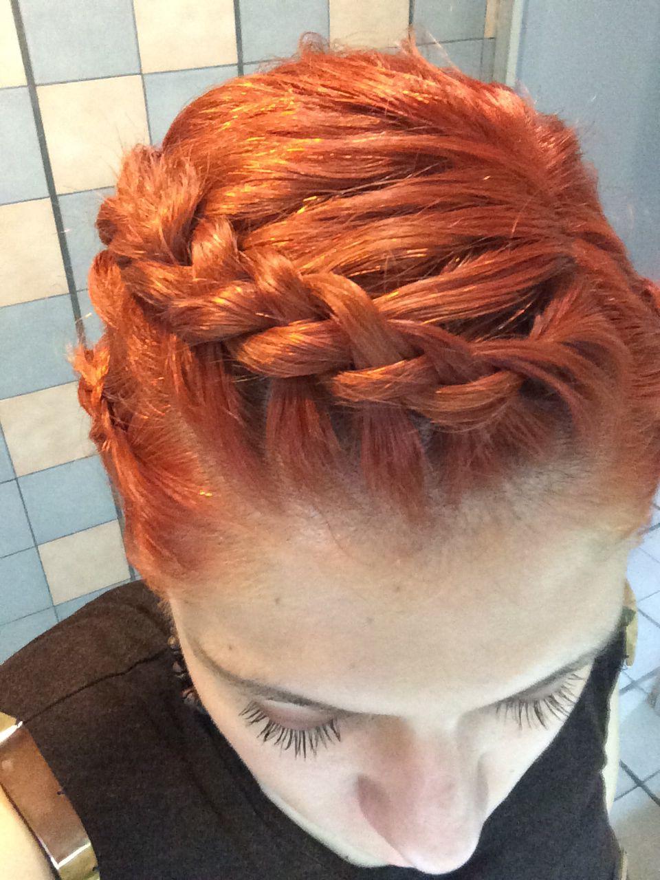 Ya poder trenzar mi cabello, amo como se ve con su nuevo color