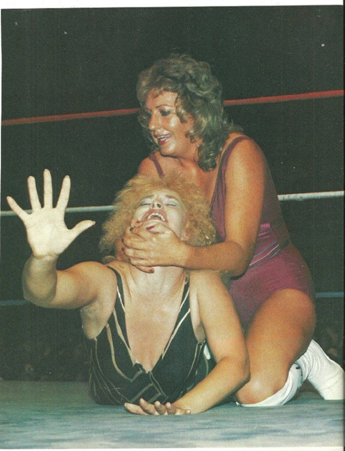 Excellent erotic female wrestlers