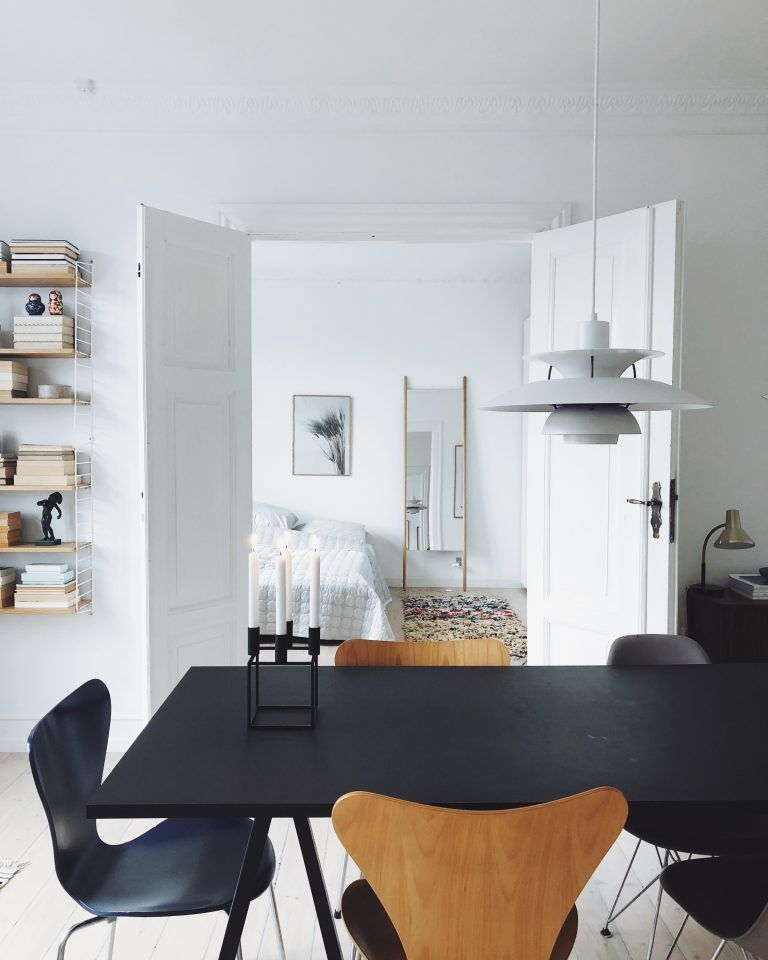 An Interior Mix Of Vintage, Classic And Modern Styles
