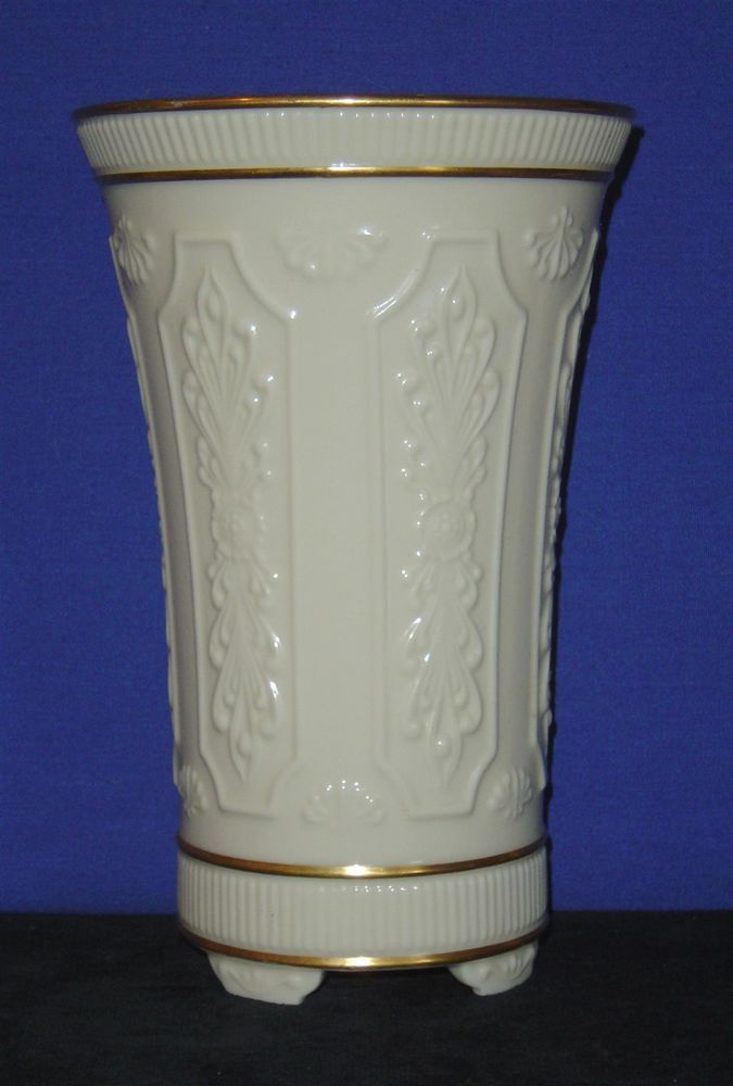 Lenox Cream Colored Vase With Gold Trim 8 34 Tall Pre Owned