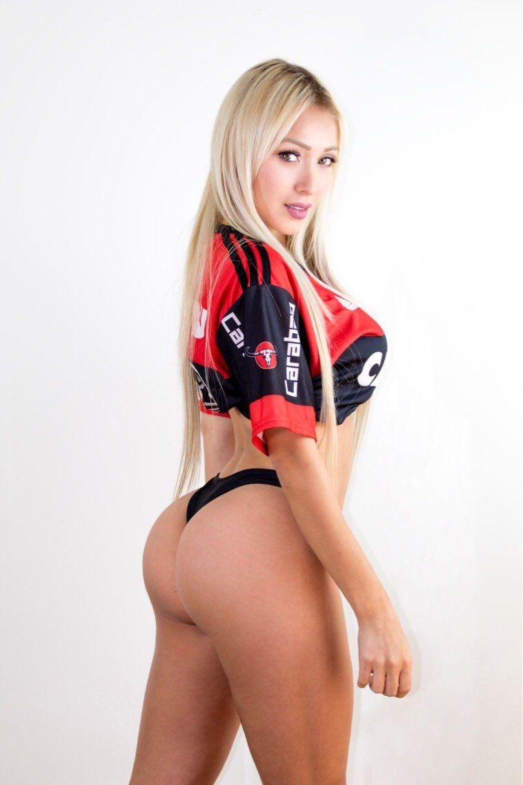Daniella chavez butt
