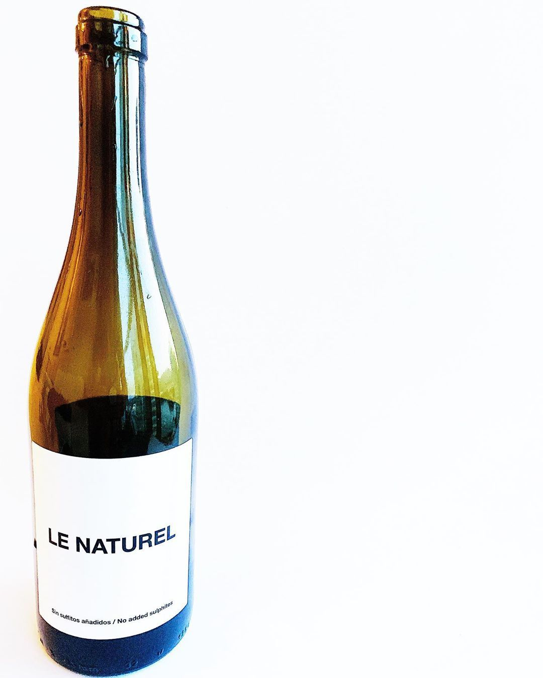 Enjoying a delicious glass of this Le Naturel tonight as we pack for a sailing trip this weekend. The wine is Organic & Biodynamic with minimal intervention . . . . .