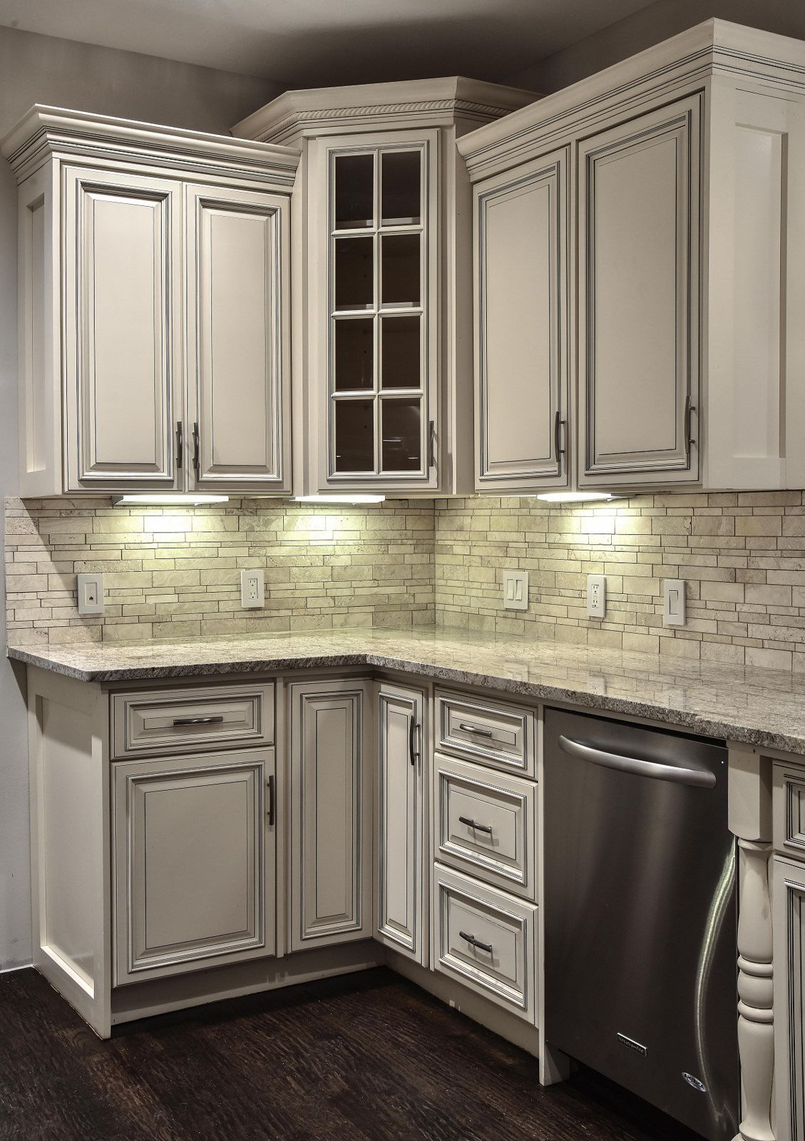 Signature Pearl In 2020 Glazed Kitchen Cabinets Kitchen Cabinet Styles Kitchen Remodel Small