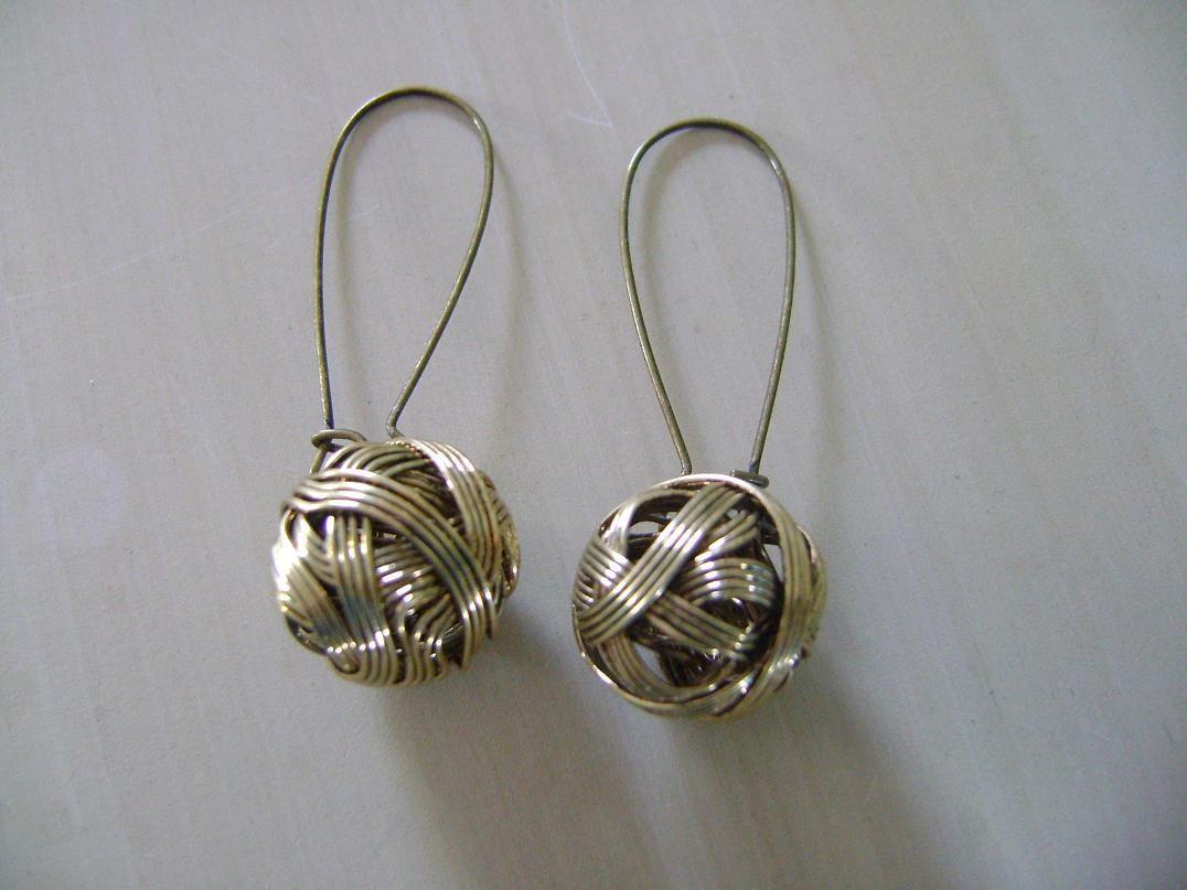 Bronze wire ball funky earrings Felt Funky earrings