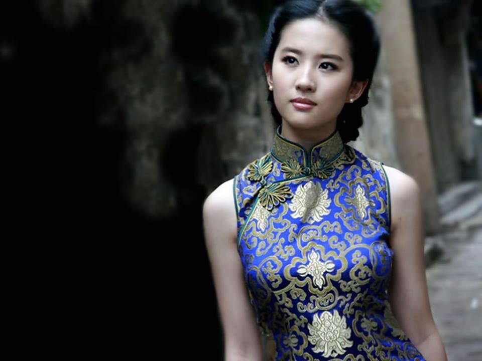 429a8fb4e LiuYiFei #刘亦菲 #旗袍 #Chipao #Cheongsam | Elegant Cheongsam by ...
