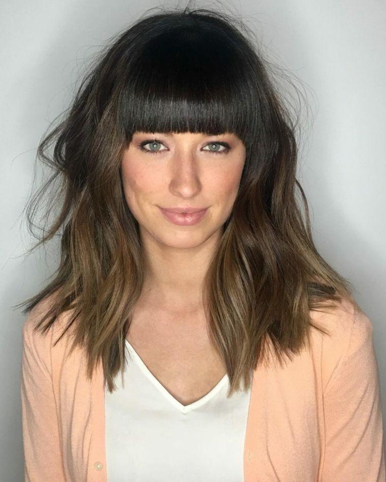 Come tagliare capelli lunghi pari