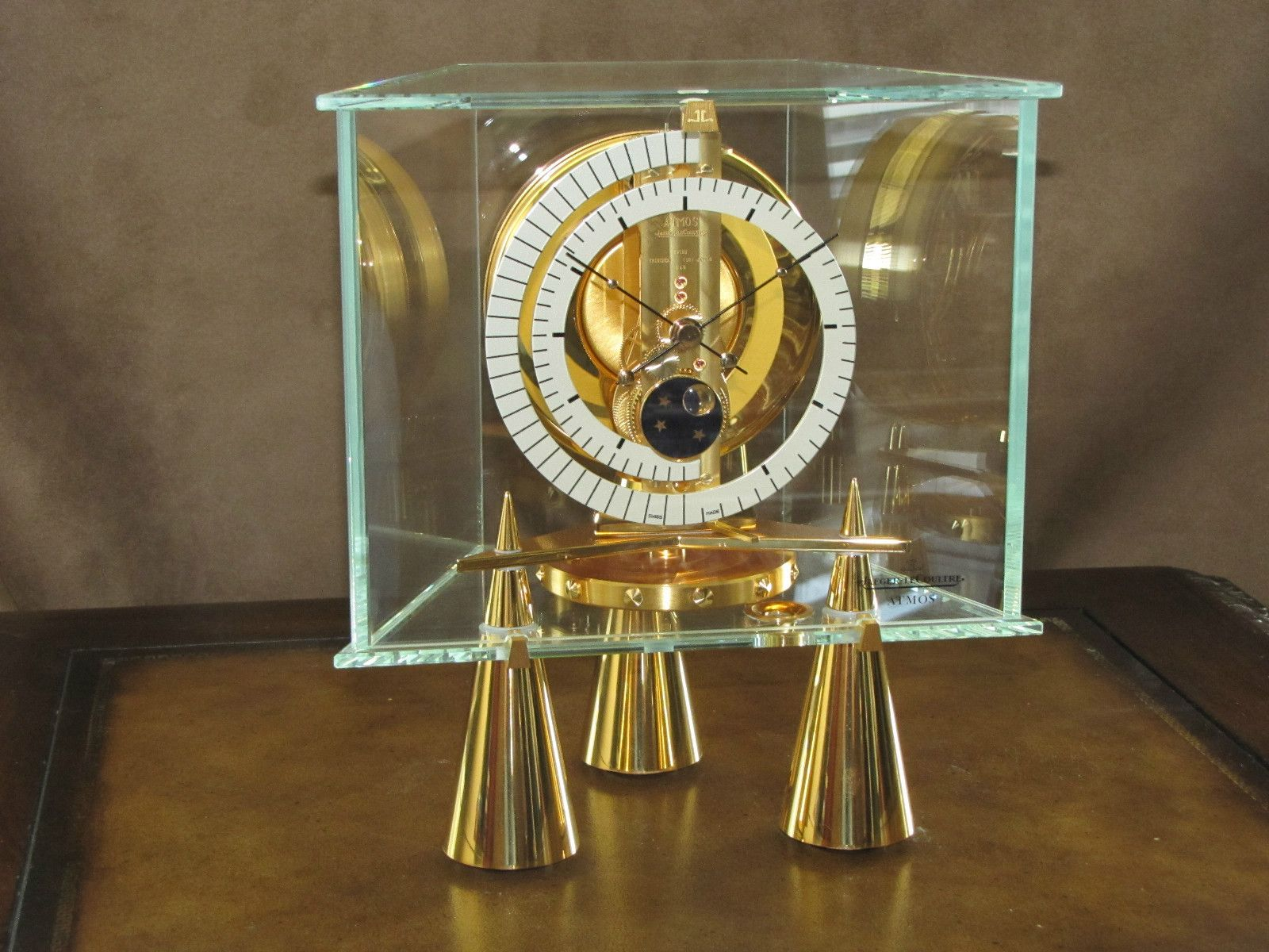 13073eae32c A relative of mine was awarded a 1969 LeCoulture Atmos Clock - JustAnswer