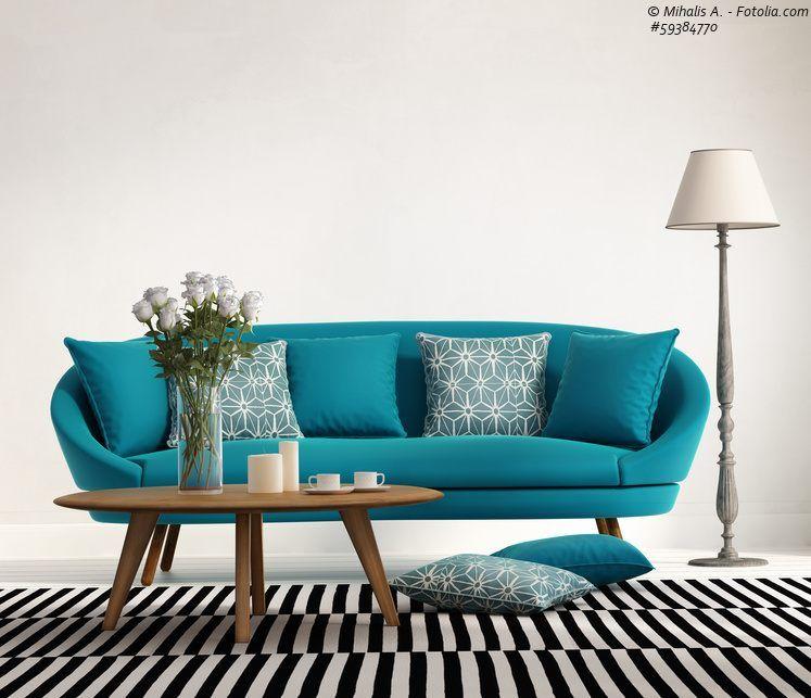 Sofa Turkis Und Runder Couchtisch Aus Holz Furniture Pinterest