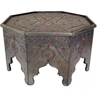 Meisterhaft und geschmackvoll wurde dieser arabische tisch aus massivem holz gefertigt for Orientalischer tisch holz