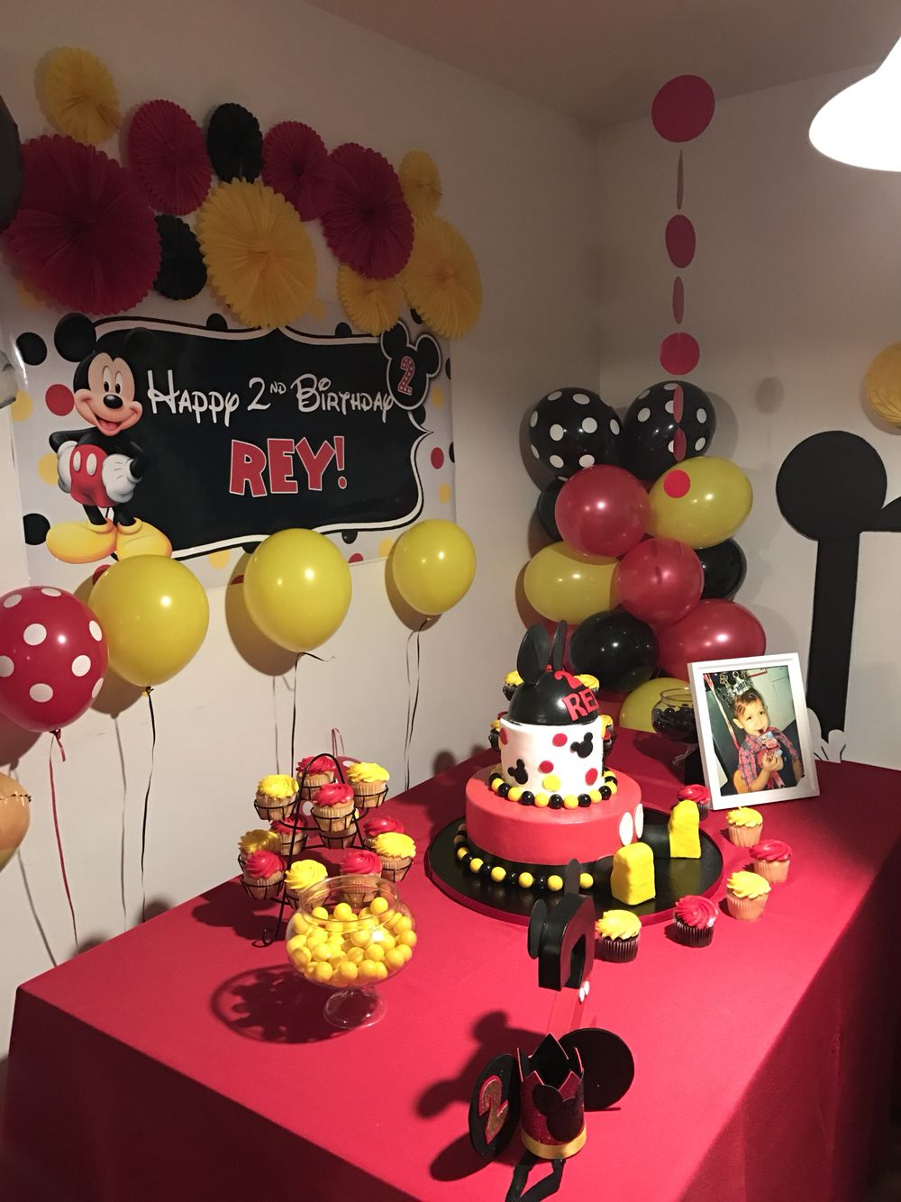 Mickey Mouse party set up. Mickey mouse 1st birthday
