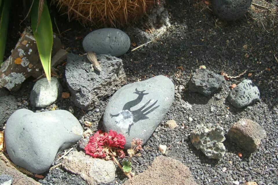 Cesar Manrique's grave at Haria, Lanzarote - photo by Jill Pack