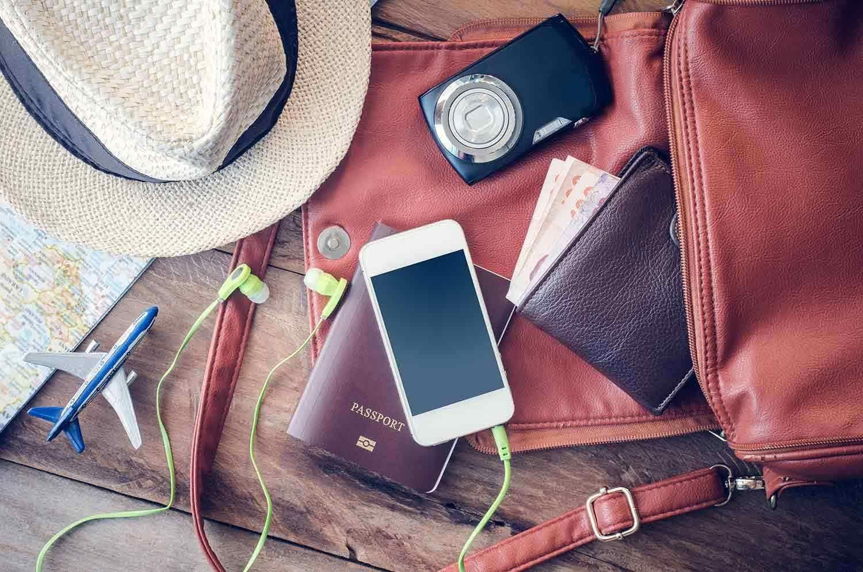 Andiamo in vacanza, ma Social Network e Web viaggiano con noi