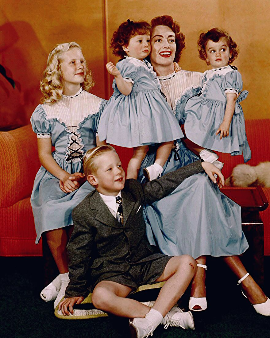 joan crawford with children christina a christopher cindy cathy 1950 always the star. Black Bedroom Furniture Sets. Home Design Ideas