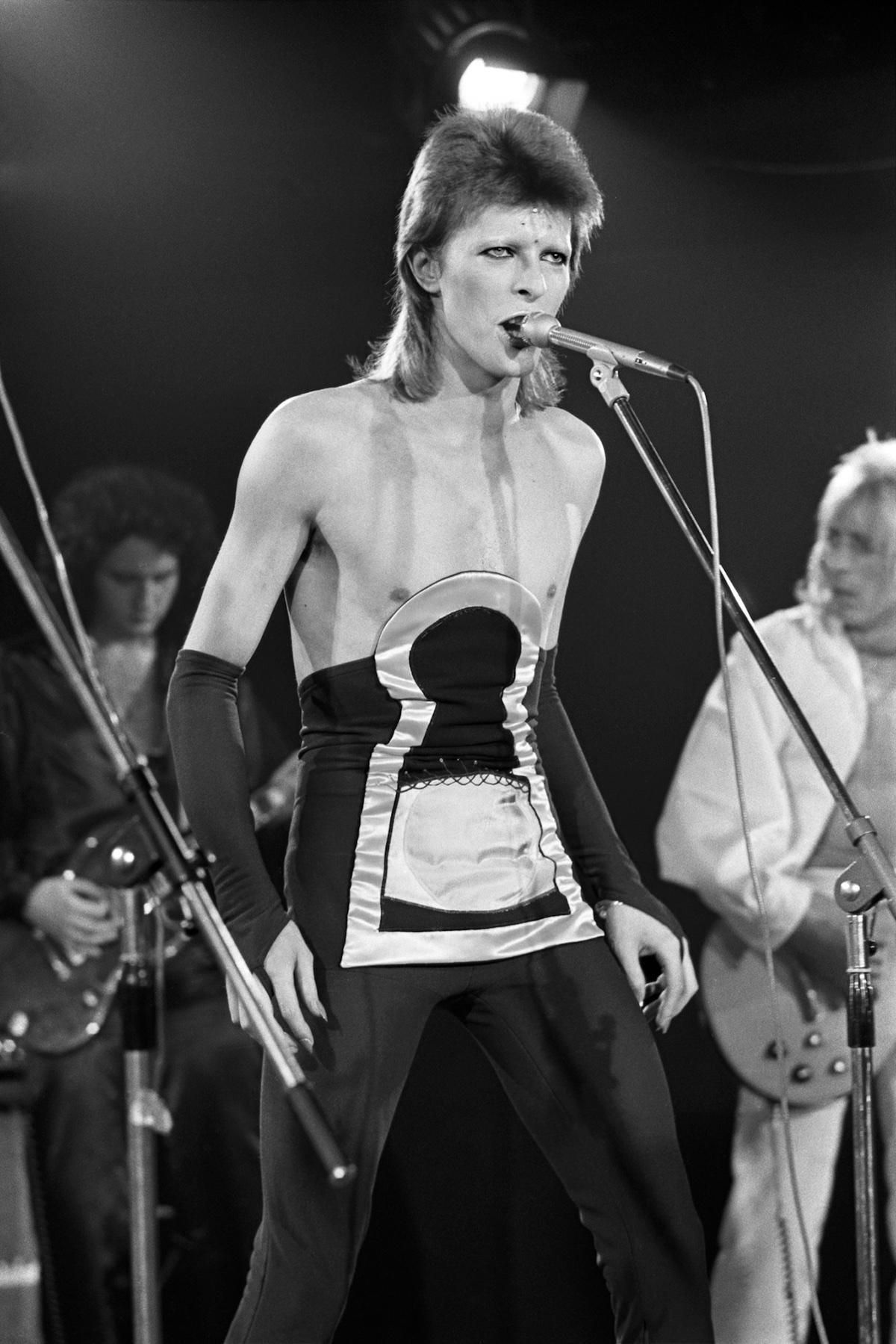 The 1980 floor show filmed for nbc s midnight special for 1980 floor show david bowie