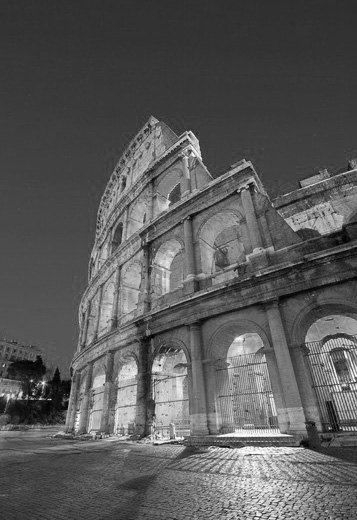 The colosseum cityscape of the colosseum ancient rome italy black white photography picture