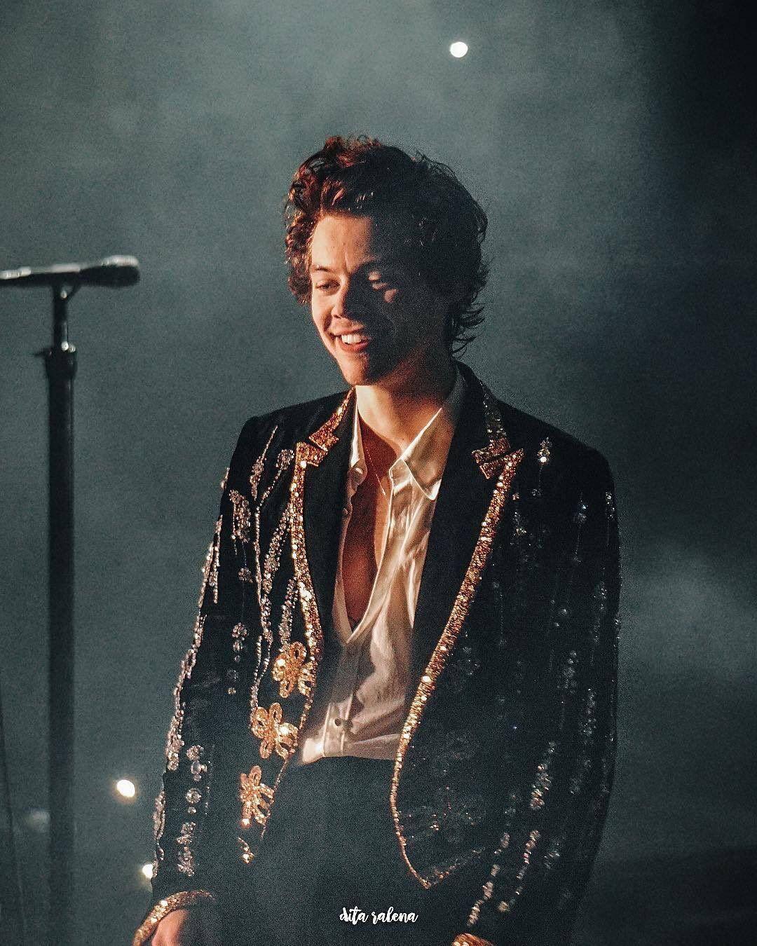 Best Harry Pics On Twitter Harry Styles Photos Harry Styles Pictures Harry Styles