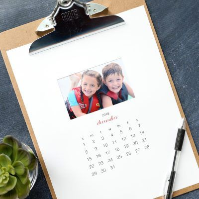 Make your own personalized calendar {free printable 2019 photo
