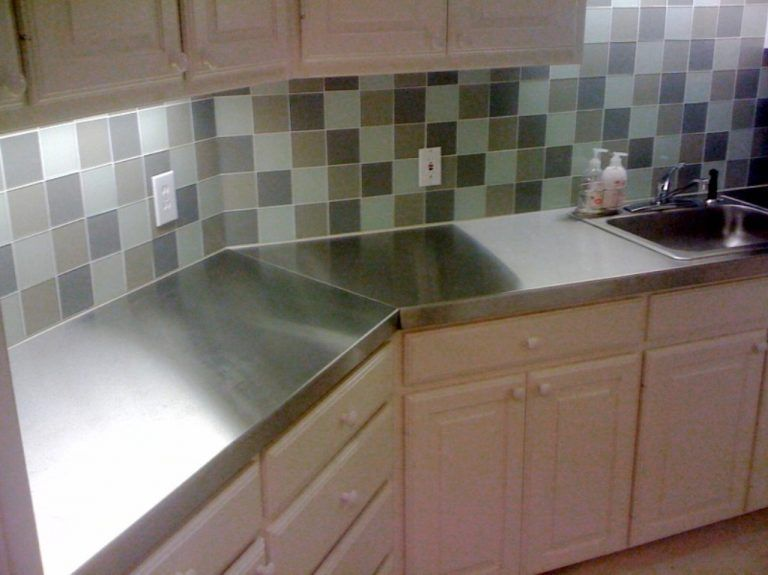 Simple Kitchen With Stainless Steel Laminate Countertops Wellsuited Diy Kitchen Tiles Backsplash Diy Kitchen Countertops Stainless Countertops