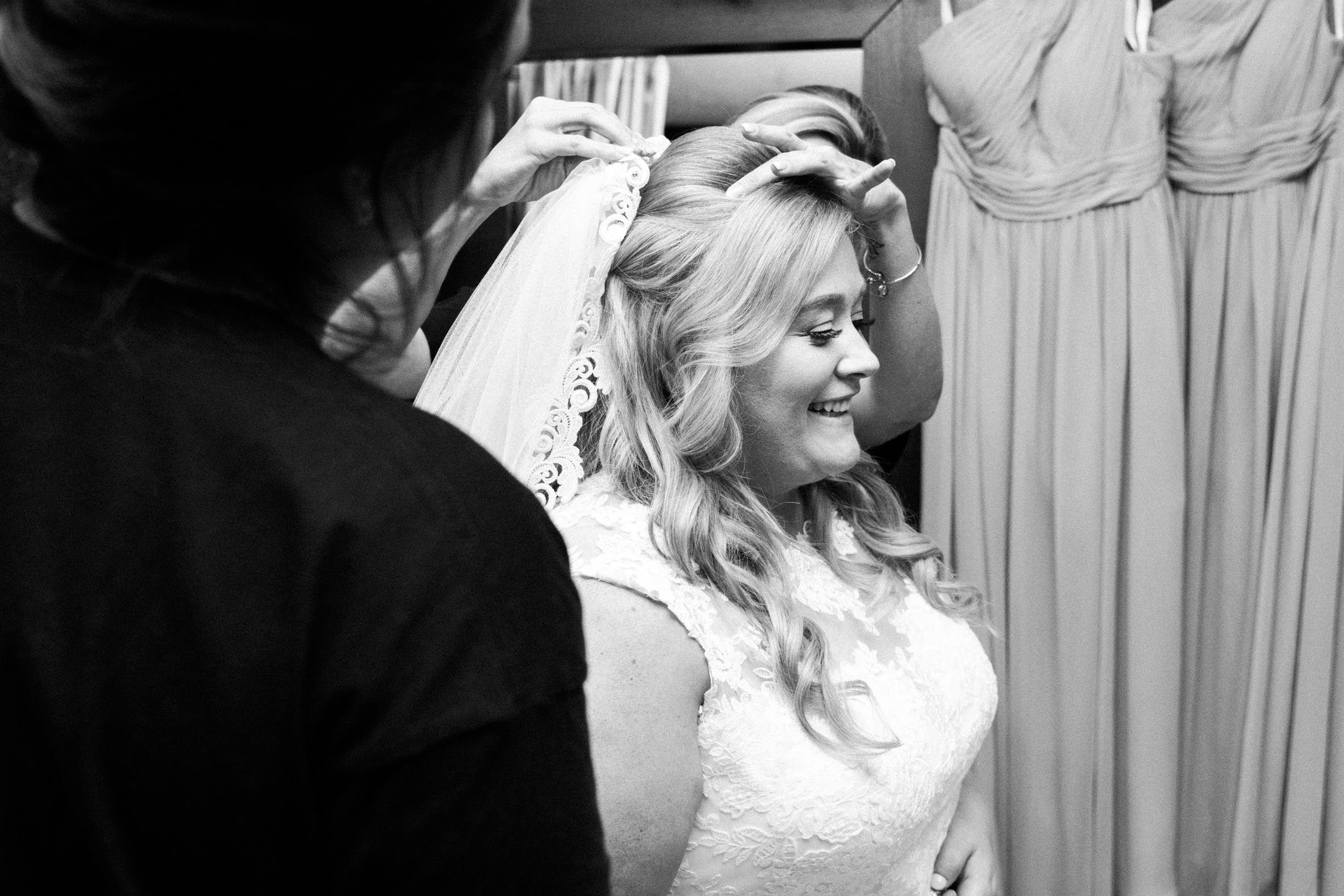 Black And White Getting Ready Portrait Mayowood Stone Barn Rochester Mn California Wedding Photography Wedding Photography And Videography Bride Getting Ready