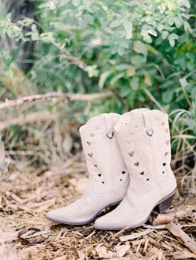Wedding cowboy boots: http://www.stylemepretty.com/little-black-book-blog/2015/04/24/blush-alberta-dairy-farm-wedding/   Photography: Justin Milton - http://milton-photography.com/