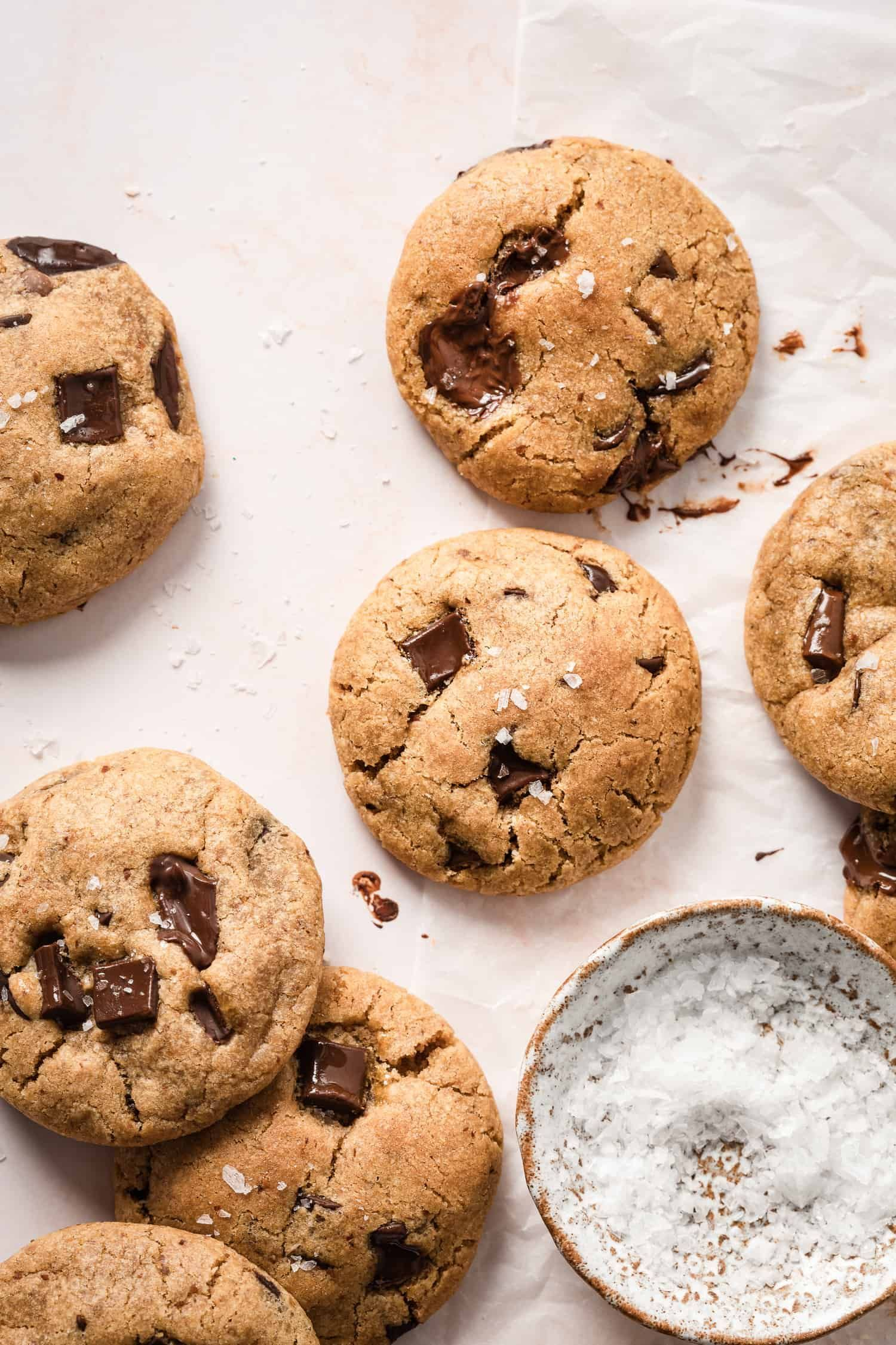 The Best Chewy Chocolate Chip Cookies Kalejunkie Recipe In 2020 Chewy Chocolate Chip Cookies Chewy Chocolate Chip Chocolate Fudge Crinkle Cookies