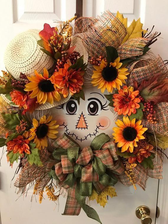 Fall Scarecrow, Fall Deco Mesh, Fall Deco Mesh Wreaths, Sunflower Wreath, Deco Mesh Reef, Deco Mesh Reefs, Scarecrow wreath #scarecrowwreath