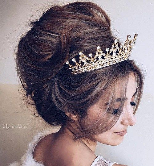 40 Gorgeous Wedding Hairstyles For Long Hair Wedding Hairstyles With Crown Tiara Hairstyles Wedding Hairstyles For Long Hair