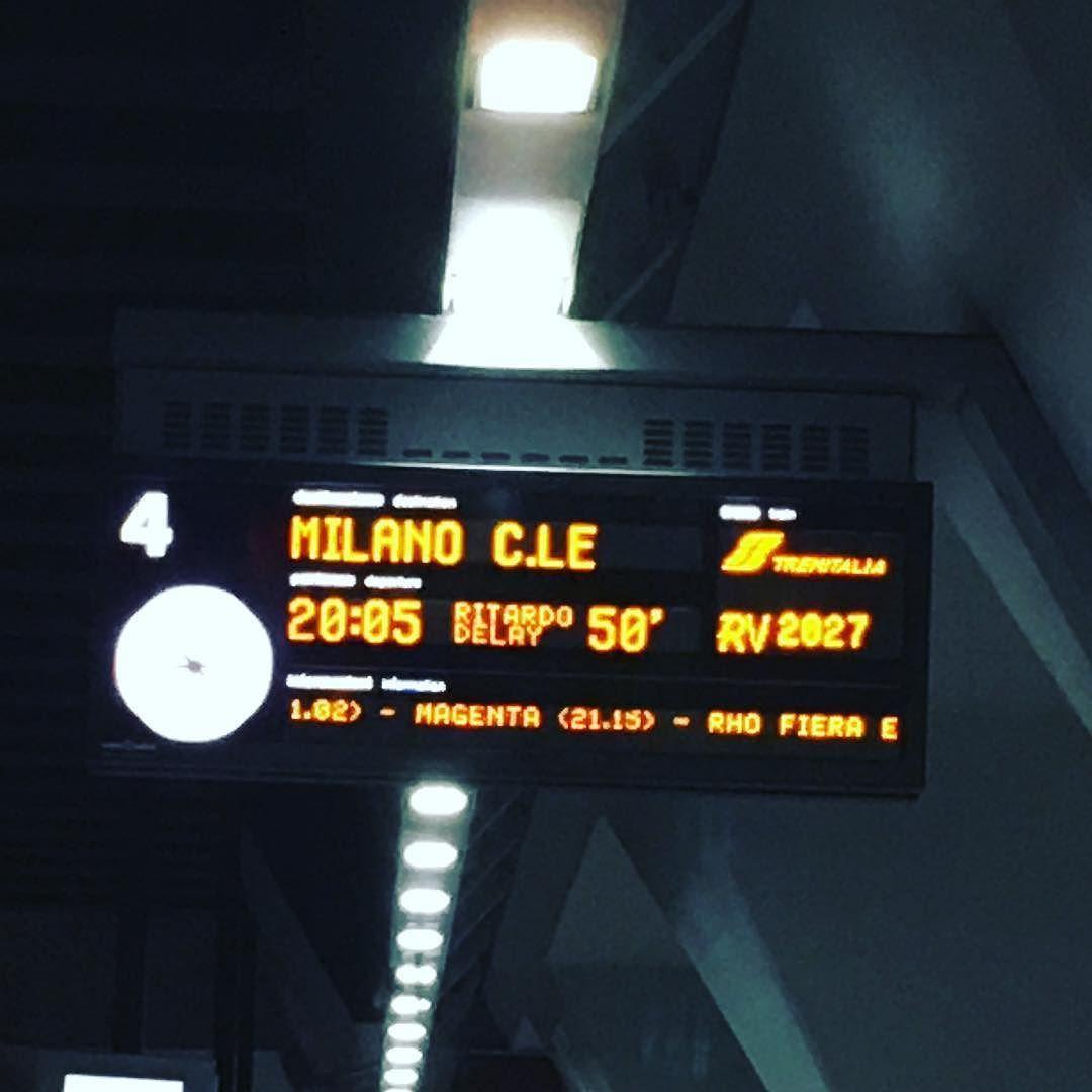 Quando per viaggiare ci si affida a degli incompetenti.... senza parole! #senzaparole #cani #vergogna #trenitalia #treno #trenodimerda #pendolari