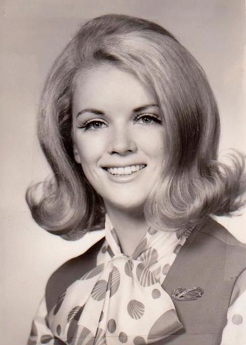 'flick-ups' in 2019 60s hair