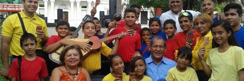@HogarDeLaPatria : RT @gladysrequena: Nos encontramos en el Edo. Sucre para apoyar al Pueblo de Cumaná y a su Gob. @LAcunaSucre @NicolasMaduro @dcabellor @MinMujer