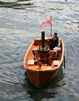 Sailing at Kirlees Yorkshirehttps://www.facebook.com/pages/Model-steam-boats/431505110290349