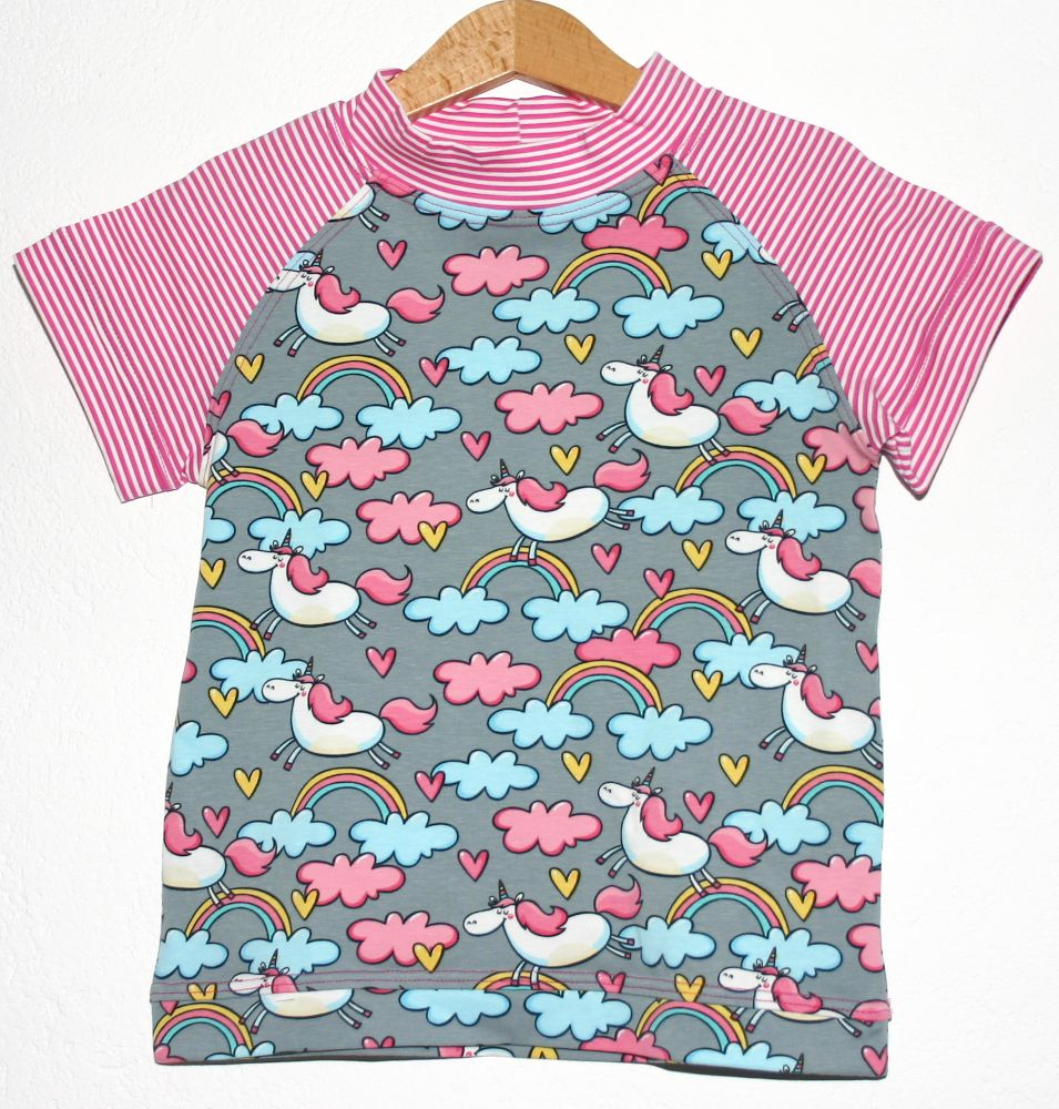 Kurzarmshirt für kleine Einhörner #unicorn #trendy #kids