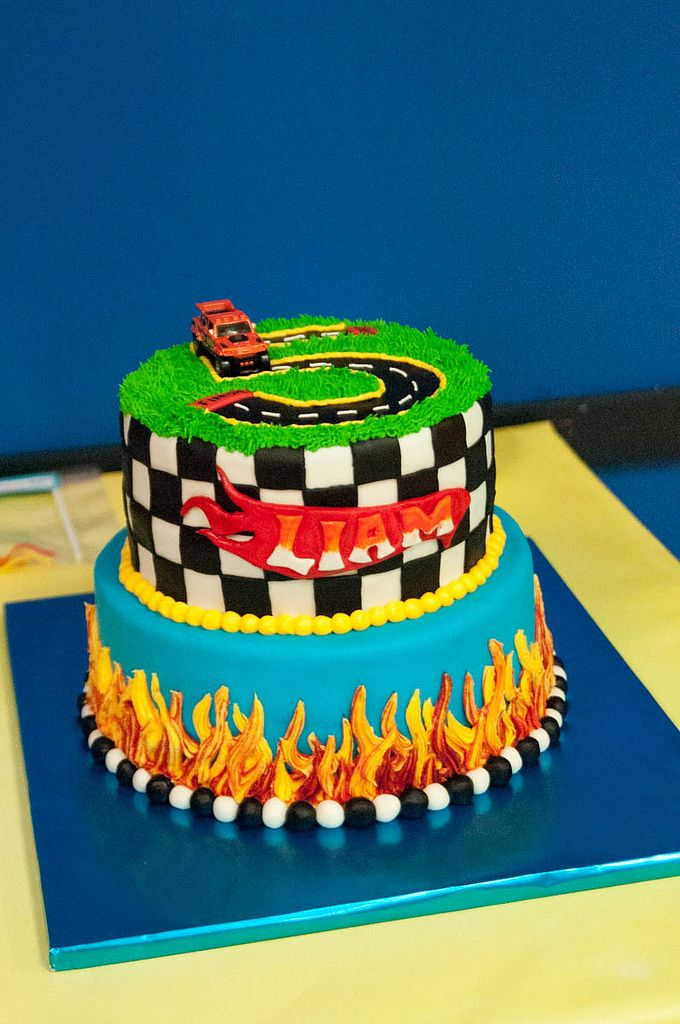 Liam5 77 Jpg Hot Wheels Birthday Cake Hot Wheels Birthday Hot
