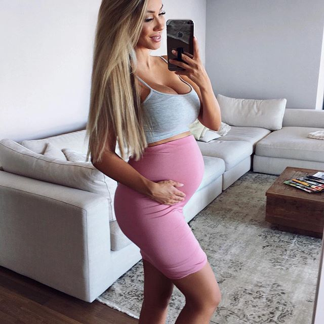 3c1b8c81c3d6 I want this to be me when I m pregnant♡ I even plan to go blonde someday.   Stunning
