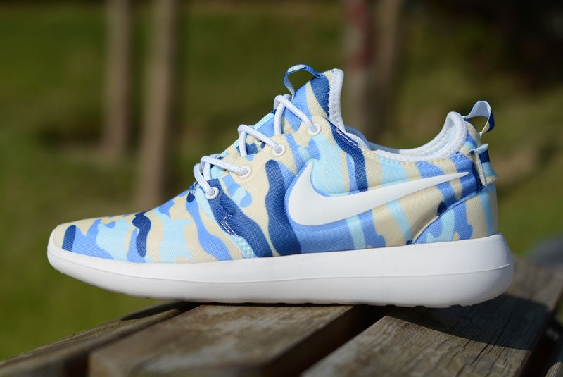 6a6aae5f85d72 Laufschuhe 2017 Nike Roshe Two Camouflage Print blue yellow white UK Trainer