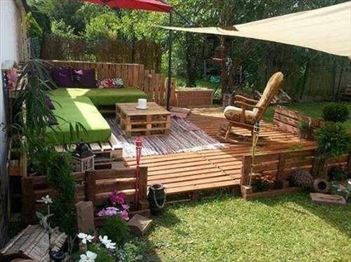 Wood pallet furniture outdoor