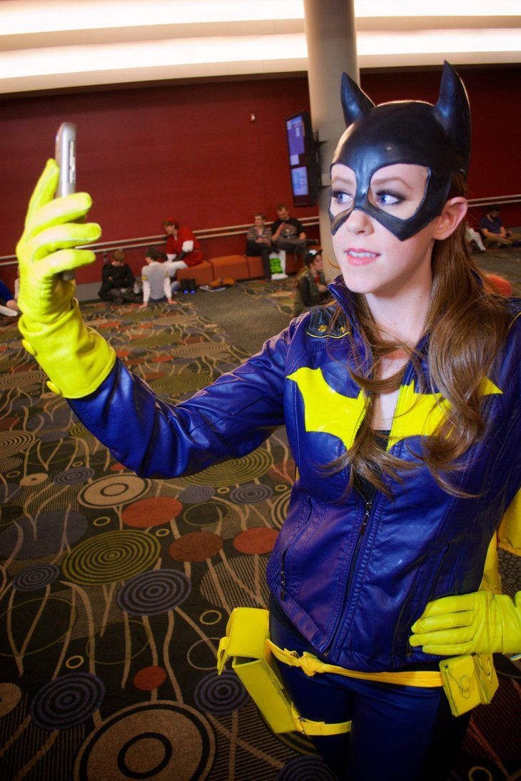 Batgirl Selfie By Ectogammot On Deviantart Cosplay Etc