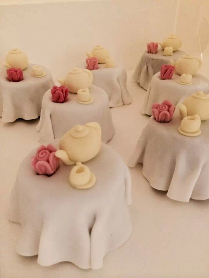 Mini tea tables